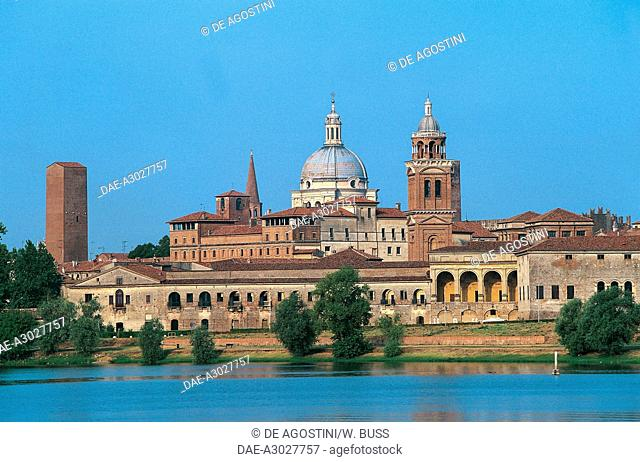 Buildings of Mantua historic centre (Unesco World Heritage List, 2008) from Lago Inferiore (Lower Lake), Lombardy, Italy