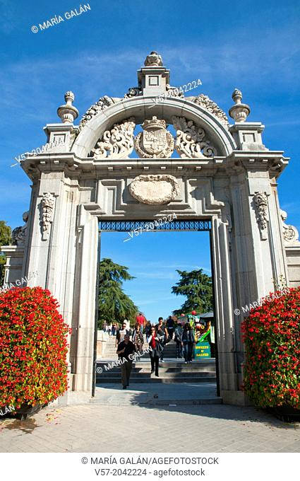 Entrance to the Retiro park. Madrid, Spain