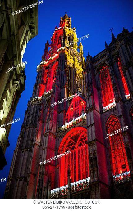 Belgium, Antwerp, Groenplaats, Onze-Lieve-Vrouwekathedraal cathedral, winter, dusk