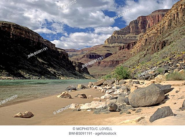 the mighty Colorado River has carved a 4500 foot deep canyon through 1.8 Billion years of rock, USA, Arizona, Grand Canyon National Park