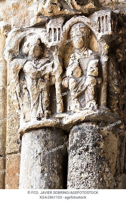 Anunciación de María - Capitel en la portada de la iglesia románica de San Martín - Segovia - Castilla-León - España - Europa