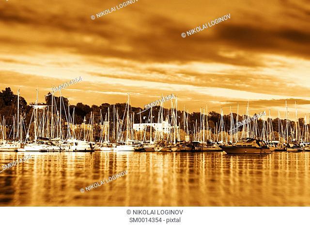 Oslo yacht club golden sunset bokeh background hd