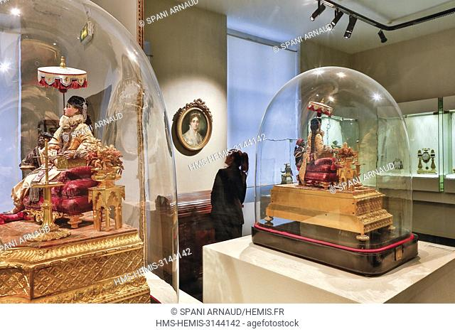 France, Haute Garonne, Toulouse, listed at Great Tourist Sites in Midi-Pyrenees, Paul Dupuy Museum, the automaton the singing lesson reflected in a mirror
