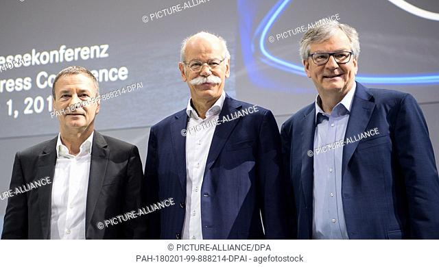 Bodo, uebber (L-R), member of the Board of Management of Daimler AG responsible for Finance & Controlling and Daimler Financial Services Division