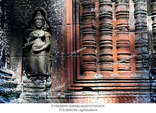 Female devata wall carving,Banteay Kdei temple in the Angkor area near Siem Reap,Cambodia,Indochina,Southeast Asia,Asia