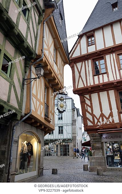 ancient houses, colombage, wood half timbering frontage, Henri IV square, historic district, Vannes, Morbihan, Bretagne France