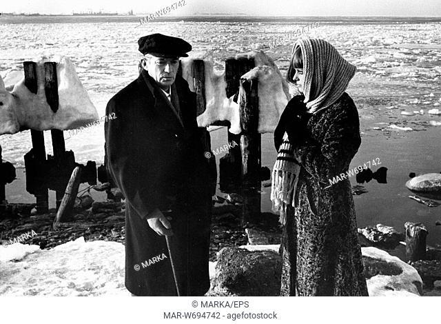 peter finch, claudia cardinale, la tenda rossa, 1969