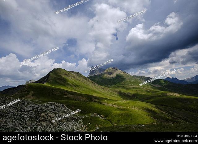 col de Anéou, Ayous lakes tour, Pyrenees National Park, Pyrenees Atlantiques, France