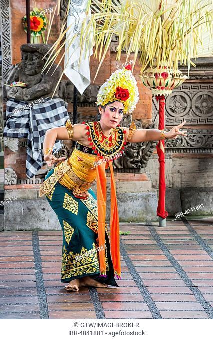 Barong and Kris Dance, traditional Balinese dance, Ubud, Bali, Indonesia