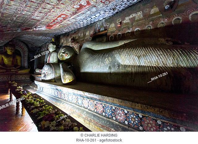 Reclining Buddha, Royal Rock Temple, Golden Temple of Dambulla, UNESCO World Heritage Site, Dambulla, Sri Lanka, Asia