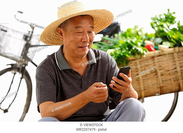Farmers use mobile phones