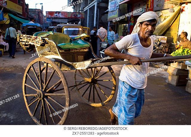 Kolkata, West Bengal, India. Five years after ban, Kolkata rickshaw pullers yet to be rehabilitated. KOLKATA: Five years after the West Bengal Government...