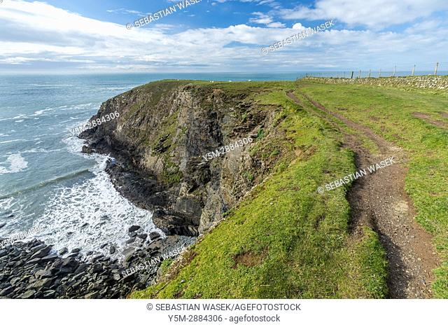 Pen Porth Egr seen from Pembrokeshire Coast Path from Abereiddy to Porthgain, Pembrokeshire Coast National Park, Abereiddy, Wales, United Kingdom, Europe