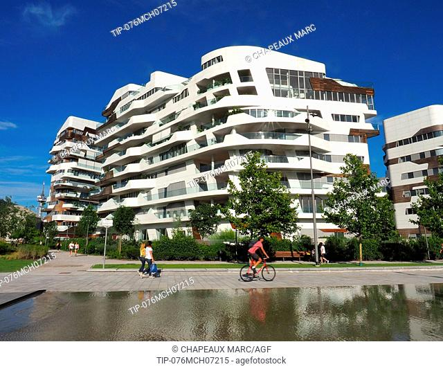 Europe, Italy, Lombardy, Milan, Citylife district, residencies building desgned by Zaha Hadid