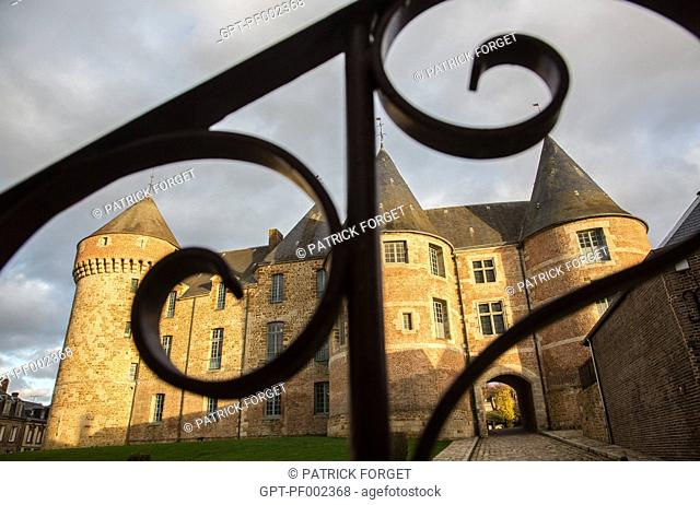 CHATEAU DE GACE, MILITARY EDIFICE BUILT IN THE 12TH CENTURY IN STONE AND RED BRICK, TRANSFORMED INTO A LORD'S RESIDENCE AND OCCUPIED BY THE ENGLISH DURING THE...