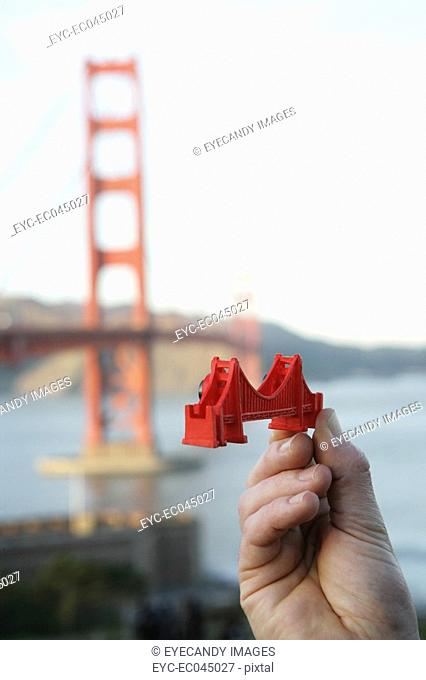Miniature of the Golden Gate Bridge
