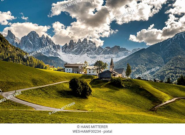 Italy, South Tyrol, Vilnoess Valley, view to church of St. Magdalena with Geisler group in the background