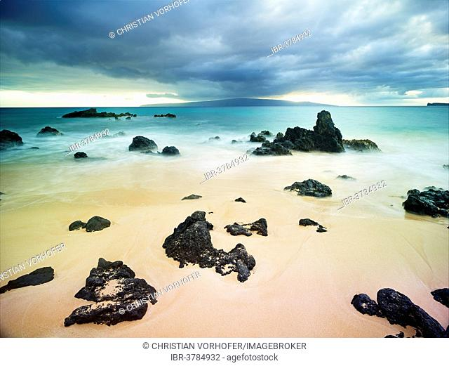 Big Beach, view towards Lana'i, Maui, Hawaii, USA
