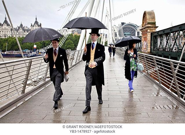 Two gentlemen on their way to the Ascot races, Jubilee Bridge, London, England