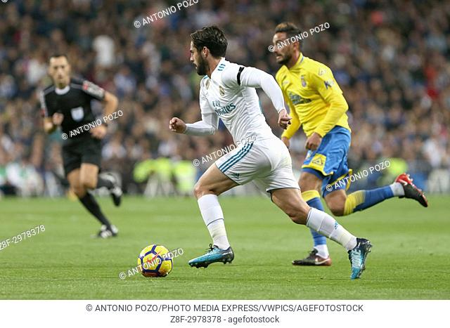 MADRID, SPAIN. November 05, 2017 - Isco with the ball. Real Madrid defeated Las Palmas 3-0 with an spectacular goal from Asensio with Casemiro and Isco also...