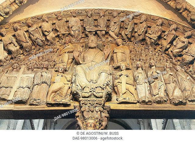 Christ in Majesty surrounded by evangelists, angels and the souls of the righteous, Portico of Glory (1168-1188), Cathedral of Santiago de Compostela