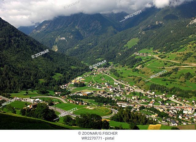 Orsieres an der Auffahrt zum Grossen Sankt Bernhard Pass und am Eingang zum Val Ferret