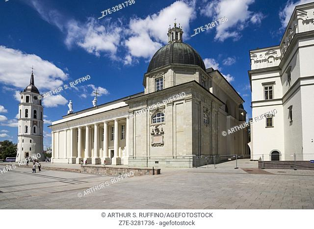 Belfry, side view of Vilnius Cathedral, and section of Palace of the Grand Dukes of Lithuania (National Museum). Cathedral Square, Vilnius, Lithuania