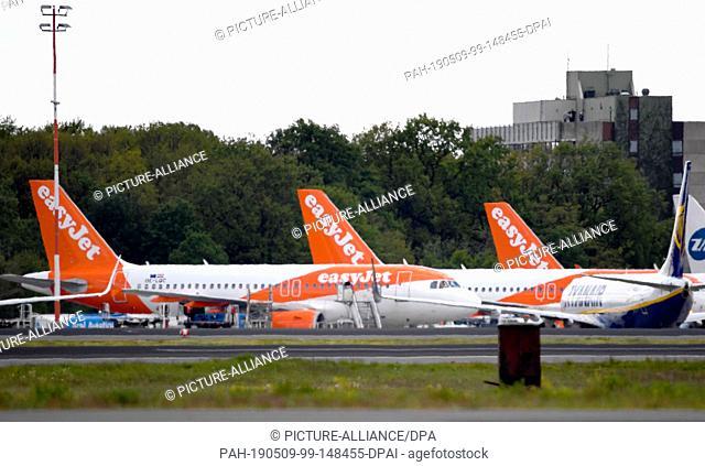 07 May 2019, Berlin: Aircraft of the airline easyJet stand on the tarmac at Tegel Airport Photo: Monika Skolimowska/dpa-Zentralbild/dpa