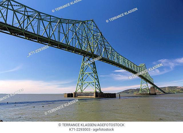 The port and the Astoria-Megler Bridge in Astoria, Oregon, USA