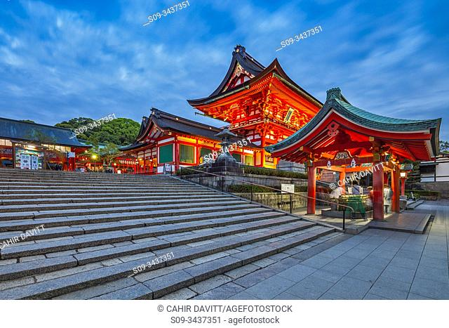 Fushimiinari Shrine Gehaiden & Fushimi Inari Jinja Romon no Kitsune Shrine in the Shinto Fushimi Inari Taisha Shrine at twilight, Fukakusa, Shimoseya, Kyoto Fu