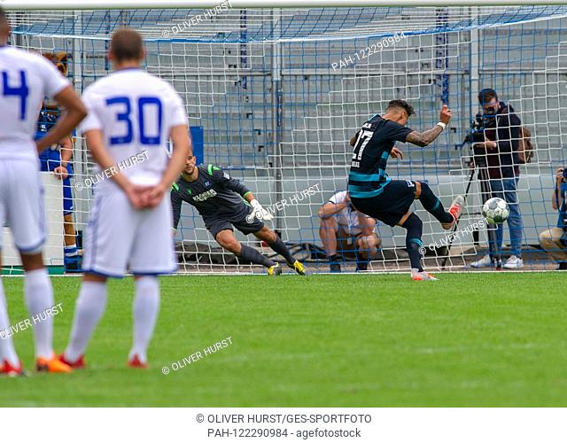 Penalties: Goalkeeper Marius Gersbeck (KSC) versus Davie Selke (Hertha BSC). Hertha GES / Football / KSC Blitz Tournament wins: Karlsruhe SC - Hertha BSC Berlin