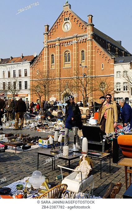 Flea Market, Place du Jeu de Balle, Marolles district, Brussels, Belgium, Europe
