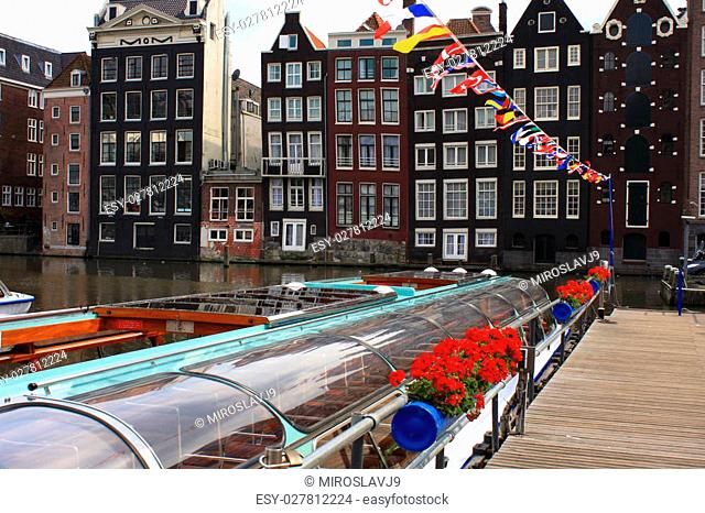 water boats in amsterdam