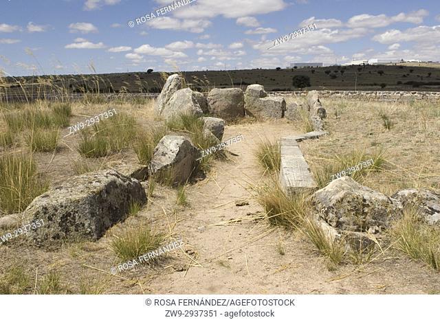 Dolmen del Prado de las Cruces, Bernuy Salinero, province of Ávila, Castilla y Leon, Castile, Spain. Funerary monument constructed during the IV Millennium B