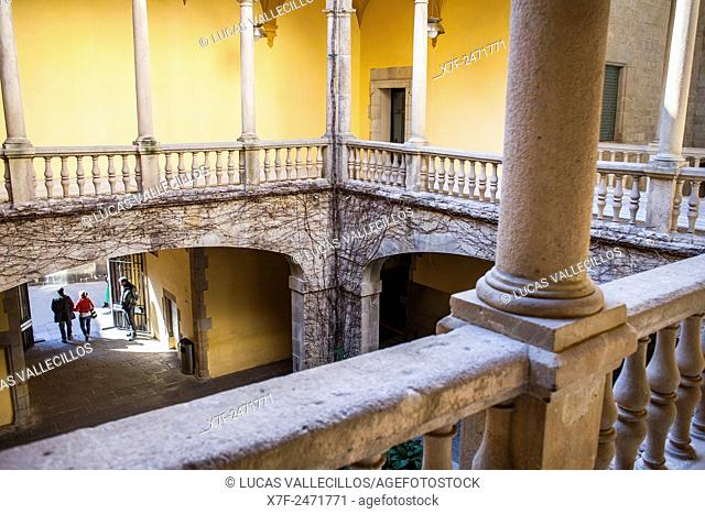 Lloctinent palace, courtyard, Aragón Crown Archive, Gothic Quarter, Barcelona, Catalonia, Spain, Europe