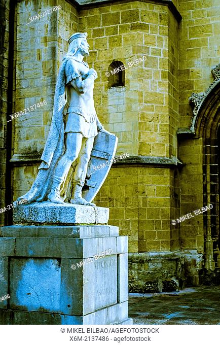 Statue of Alfonso II, king of Asturias. Plaza de la Catedral. Oviedo, Asturias, Spain, Europe