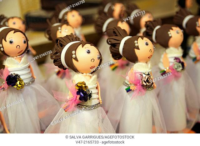 Rag dolls imitating brides