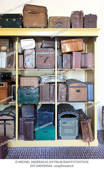 Storage of vintage suitcases - Different sizes and colors