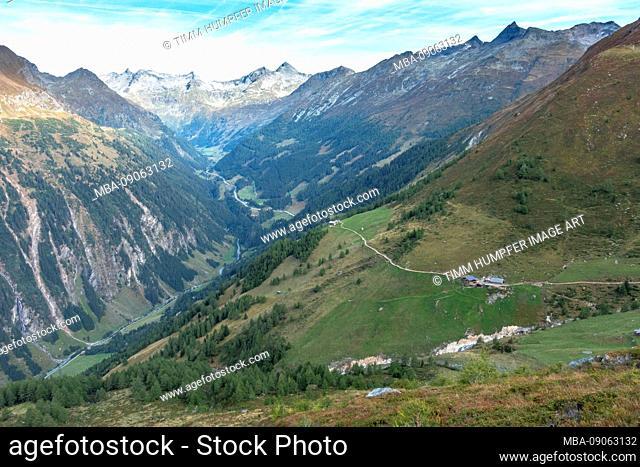 Europe, Austria, Tyrol, East Tyrol, Hohe Tauern, Kals am Großglockner, View of the Kessleralm descent from the Sudetendeutsche Hütte