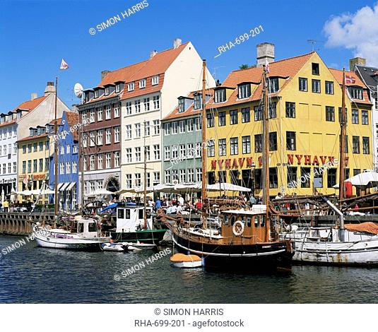 Nyhavn canal, Copenhagen, Denmark, Scandinavia, Europe