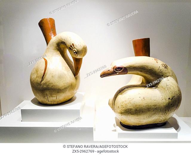 Bottles Cormorants. Mochica Classic period 1 - 800 AD. Museo de Arte Precolombino, Cusco - Peru. . Far from all symbolism which could constitute an unnecessary...