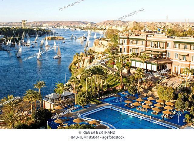 Egypt, Upper Egypt, Aswan, Old Cataract Hotel on the edge of Nile River