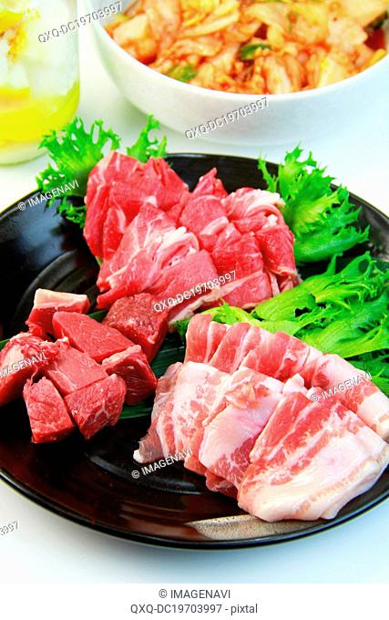 Mixed kinds of raw meat