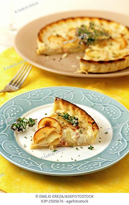 Quiche with potatoes and cheese