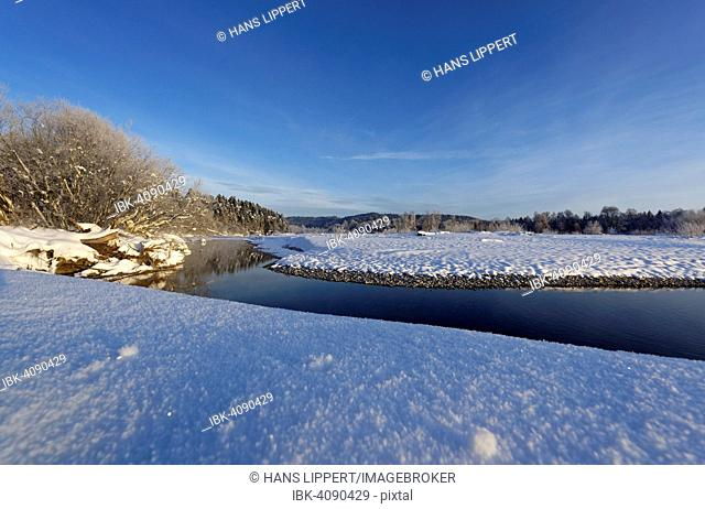 Winter morning at the river Isar in Geretsried, Isar, Upper Bavaria, Bavaria, Germany