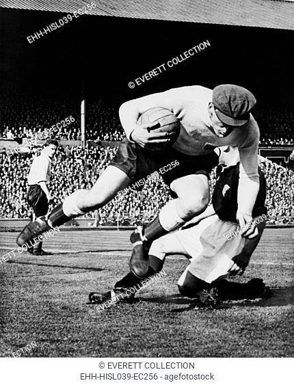 England's goalkeeper Frank Swift, in an international soccer match. Wembley, London, 1949. - (BSLOC-2014-17-179)