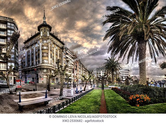 Donostia, San Sebastian. Alderdi-Eder Park and Calle hernani. Guipuzcoa, Basquen Country, Spain
