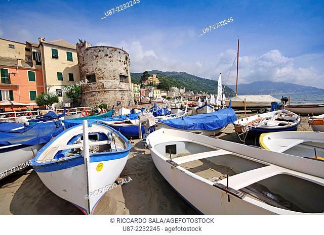 Italy, Liguria, Laigueglia, Bastion from the 16th Century, Fishing Boats on the Beach