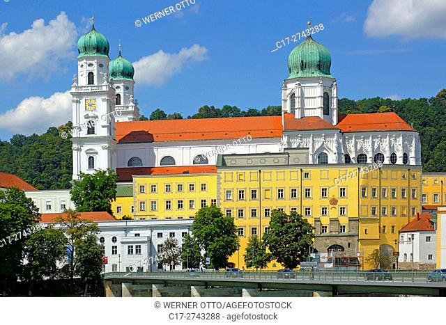 Germany, Bavaria, Eastern Bavaria, Lower Bavaria, D-Passau, Danube, Inn, Ilz, St. Stephens Cathedral, Bishop church, baroque, Old Residence with Land court
