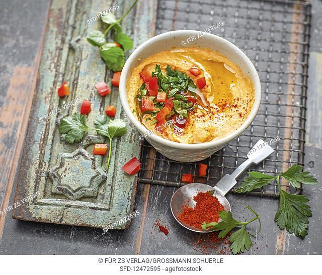 Roasted pepper hummus (vegan)